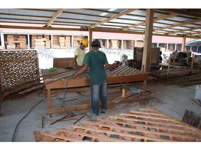 Generar oportunidades de desarrollo sostenible para pequeños productores de Honduras, Guatemala y Nicaragua mediante el Comercio Justo, la certificación FSC y la interacción con empresas en España.